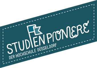 "The research projects logo can be seen. It shows the phrase ""Studienpioniere der Hochschule Düsseldorf""."